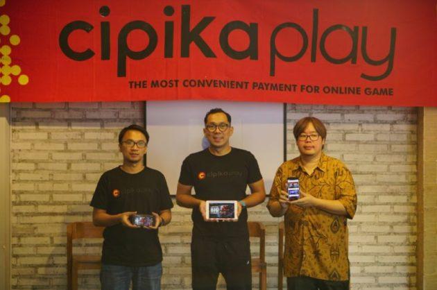 Cipika Play Tingkatkan Ecosystem Games di Indonesia dengan Perluas Jaringan Distribusi Pembelian Voucher Token Games Online Melalui Agen Pulsa Dari Ki-Ka :