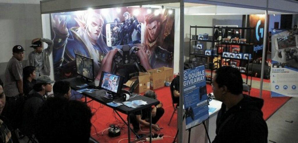 Beragam Aktivitas Seru Ramaikan Booth GameSir di World Of Gaming Djogja Battle Royale!