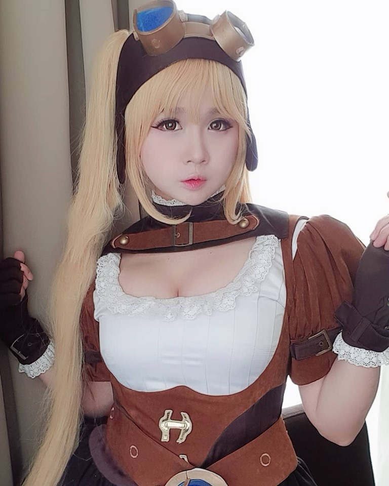 Cosplay Mobile Legends Layla